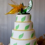 green leaf wedding cake